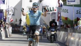 Luis Leon Sanchez là tay đua Astana thứ 3 thắng 1 chặng đua ở Tour of the Alpes