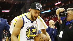 Sự phấn khích của Stephen Curry