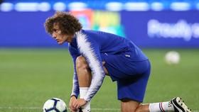 David Luiz quyết định ở lại và chiến đấu