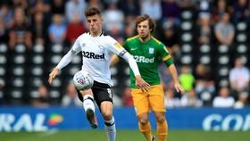 Mason Mount (trái) - lá bài tẩy của Lampard ở Derby County