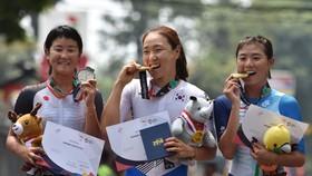 Na Ah-Reum (giữa) xứng danh Nữ hoàng trong môn xe đạp ở Asiad 2018