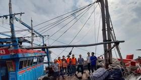 Tàu cá cùng 6 ngư dân được cứu nạn, đưa vào bờ an toàn