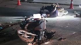 Va chạm xe máy, 2 người chết, 2 người bị thương