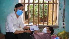 Báo Sài Gòn Giải Phóng trao quà cho hoàn cảnh khốn khó tại Thanh Hóa