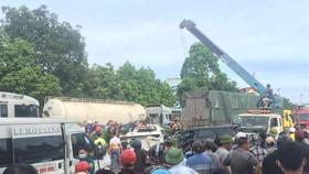 Ô tô tông nhau liên hoàn trên Quốc lộ 1A, ít nhất 1 người chết, nhiều xe bị hư hỏng