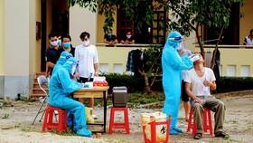 Nghệ An: Tạm đình chỉ công tác chủ tịch xã vì để F1 về nhà… thăm vợ