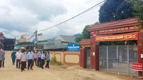 Nghệ An: Một gia đình ở xã vùng cao mắc Covid-19, 65 học sinh thành F1 phải đi cách ly