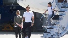 Federer và gia đình bay máy bay cá nhân đến Melbourne