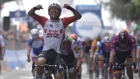 Ewan hạnh phúc với chiến thắng đầu tay