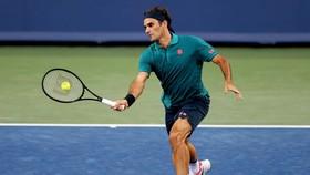 Federer giành chiến thắng sau 2 ván đấu