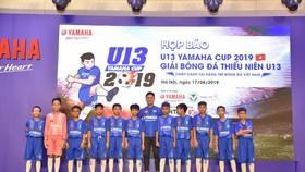 Quang Hải và các em nhỏ tham gia U13 Yamaha Cup 2019