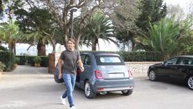 Nadal ở bên ngoài Nhà hàng La Fortaleza
