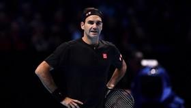 Roger Federer thua trong trận mở màn
