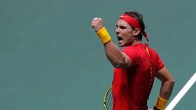 Nadal ra sân, mang lại niềm tin chiến thắng cho Tây Ban Nha