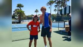 Hình ảnh Zverev vi phạm lệnh cách ly ở Florida, sau đó hình ảnh đã bị xóa