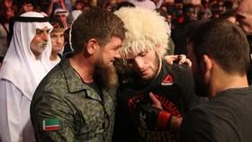 Ông Raman Kadyrov luôn thân thiết với Khabib và gia đình