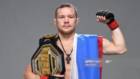 Yan trở thành võ sĩ Nga thứ 2 giành đai vô địch UFC