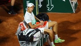 Medvedev thua trận thứ 4 liên tiếp ở vòng 1 của Roland Garros