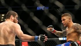 """Poirier sẵn sàng dùng thế """"hạ bàn cước"""" để đối chiêu """"hạ bàn cước"""" nếu McGregor áp dụng đòn này"""