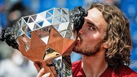 Tsitsipas vô địch Lyon Open