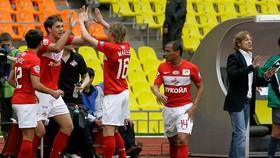 Karpin (ngoài cùng bên phải) và Dzyuba (thứ 2 từ trái sang) có mâu thuẫn từ hồi ở Spartak