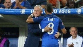 Didier Deschamps đóng cửa với Dimitri Payet