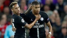 Neymar và Kylian Mbappe lần đầu cùng đá chính
