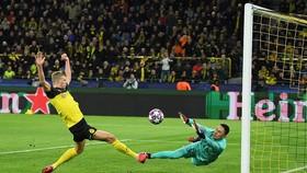 Erling Haaland ghi bàn cho Dortmund