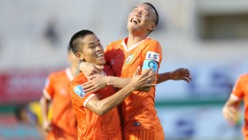 Niềm vui chiến thắng của nhà Bình Định ở trận khai mạc mùa giải hạng nhất 2020. Ảnh: Dũng Phương