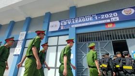 Sân Hà Tĩnh tăng cường an ninh trước trận gặp Đà Nẵng. Ảnh: Dũng Phương