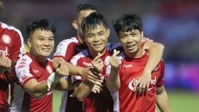 Công Phượng toả sáng đêm về chiến thắng 5-1 trước Nam Định. Ảnh: Dũng Phương