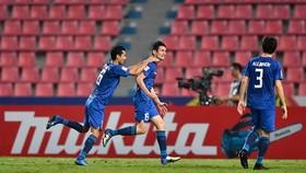 Uzbekistan ngược dòng thắng đậm UAE.