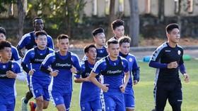 Quả bóng LS V-League 2020 sẽ lăn trở lại vào cuối tháng 5. Ảnh: HCMCFC