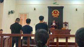 Phiên tòa vào sáng 19-5.