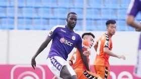Papa Ibou Kébé sẽ chia tay Hà Nội FC.