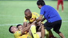 """Nam Định cuối cùng đã """"giải hạn"""" sau khi thay HLV. Ảnh: MINH HOÀNG"""