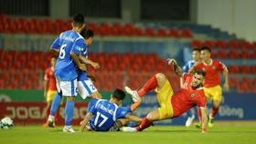 Than Quảng Ninh dễ dàng vượt qua Hà Tĩnh. Ảnh: MINH HOÀNG
