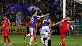 """Lần đầu tiên diễn ra trận """"derby thủ đô"""" ở chung kết Cúp QG trong 28 năm qua. Ảnh: MINH HOÀNG"""
