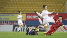 Sơn La (áo đỏ) khép lại giải đấu bằng chiến thắng trước Hà Nội II.