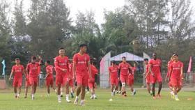 HLV Phan Thanh Hùng dự khán trận B.Bình Dương thắng Sài Gòn FC 2-0