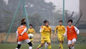 Các cầu thủ trẻ ở ĐT Việt Nam thắng dễ Hà Nội II