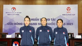 Các nữ trọng tài tham gia lớp tập huấn