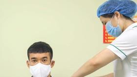 Các thành viên của CLB Hà Nội đã tiêm vaccine phòng dịch Covid-19