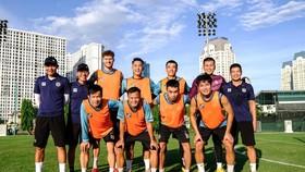 CLB Hà Nội chưa đủ quân ở thời điểm hiện tại do nhiều cầu thủ cách ly cùng đội tuyển quốc gia. Ảnh: HNFC