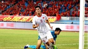 Tiến Linh lập cú đúp trong chiến thắng 2-0 của U23 Việt Nam trước Trung Quốc ngay tại Vũ Hán năm 2019. Ảnh: Đoàn Nhật