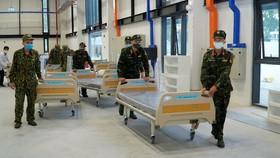 Becamex IDC và các lực lượng khẩn trương thi công để đưa Bệnh viện dã chiến Bình Dương vào hoạt động sớm nhất