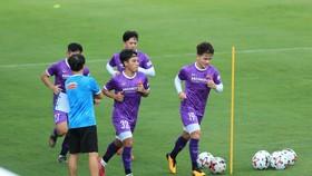 """Quang Hải và Tiến Anh (32) không ra sân ở trận """"lượt đi"""" gặp U22 Việt Nam"""