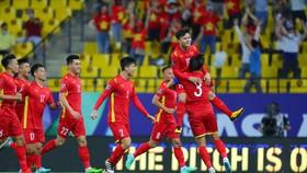 Niềm vui của Quang Hải sau bàn mở tỷ số. Ảnh: AFC