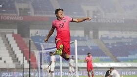 Niềm vui của Chang Hoon sau bàn mở tỷ số. Ảnh: KFA