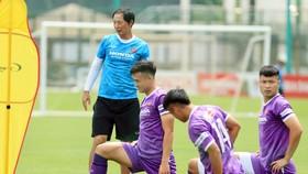 HLV Kim Hyun-tae tiếp tục được thày Park giao phụ trách tập luyện đội U22 Việt Nam trong thời điểm hiện nay